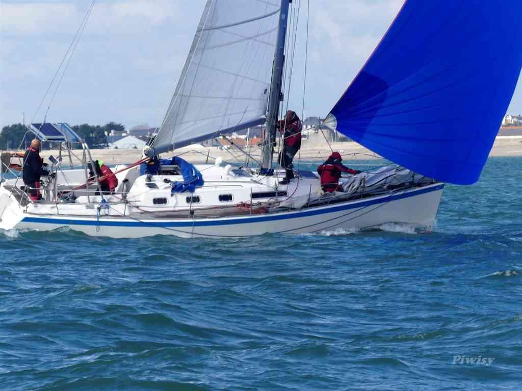 Cherche un ou deux équipier(e) pour les Açores-Lorient
