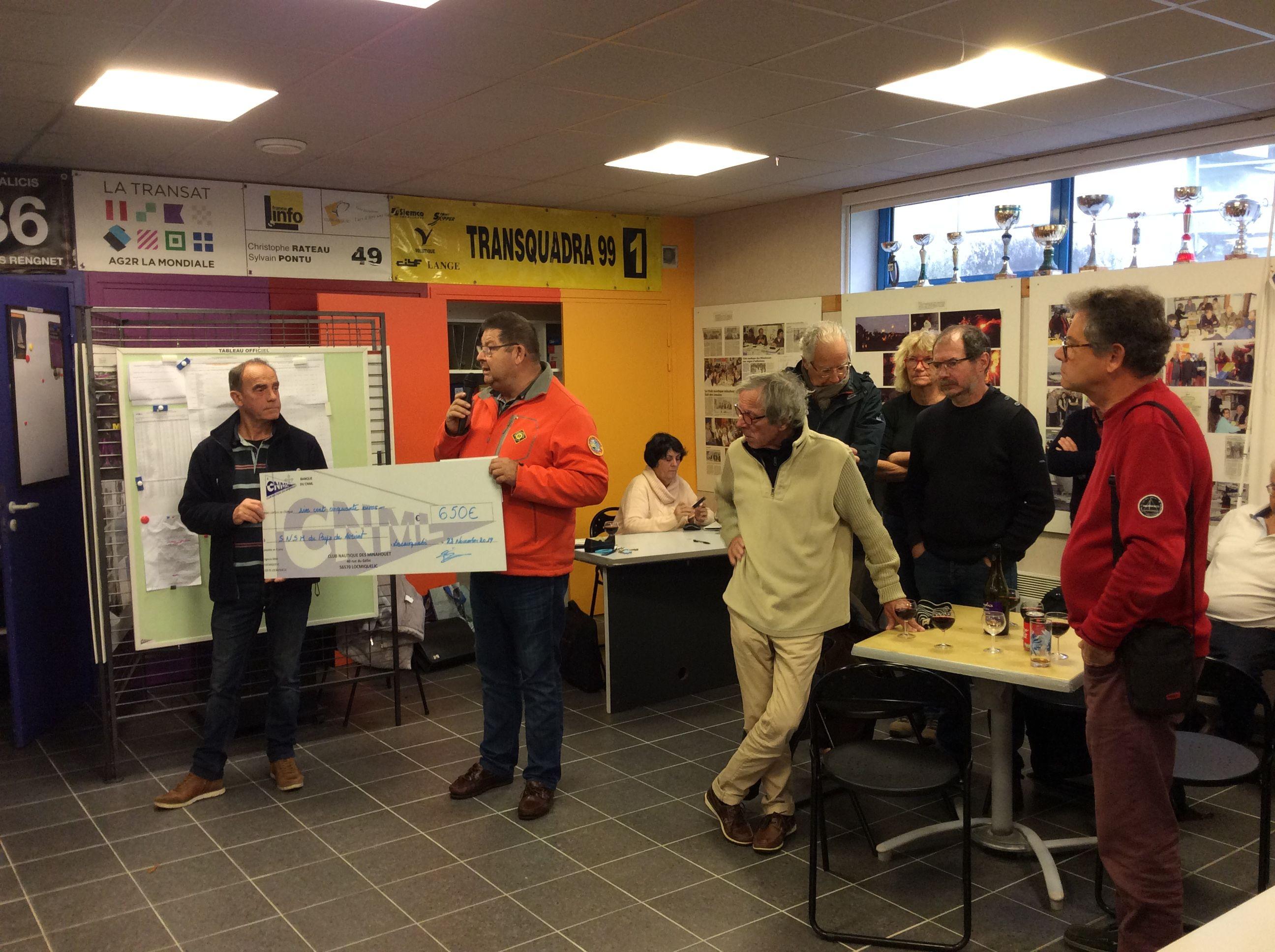 2021-Beaujolais  nouveau et remise chèque à la SNSM